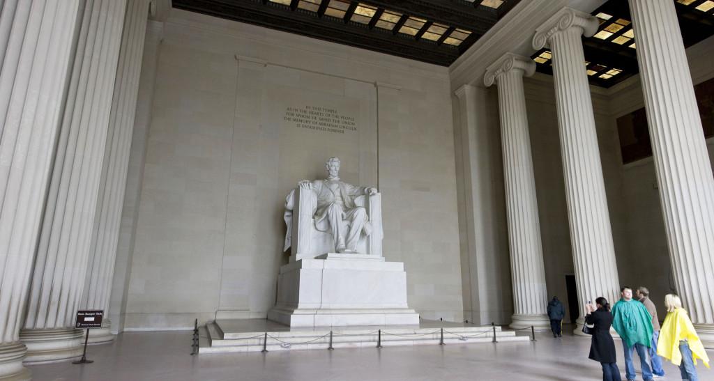 Монумент президенту Линкольну