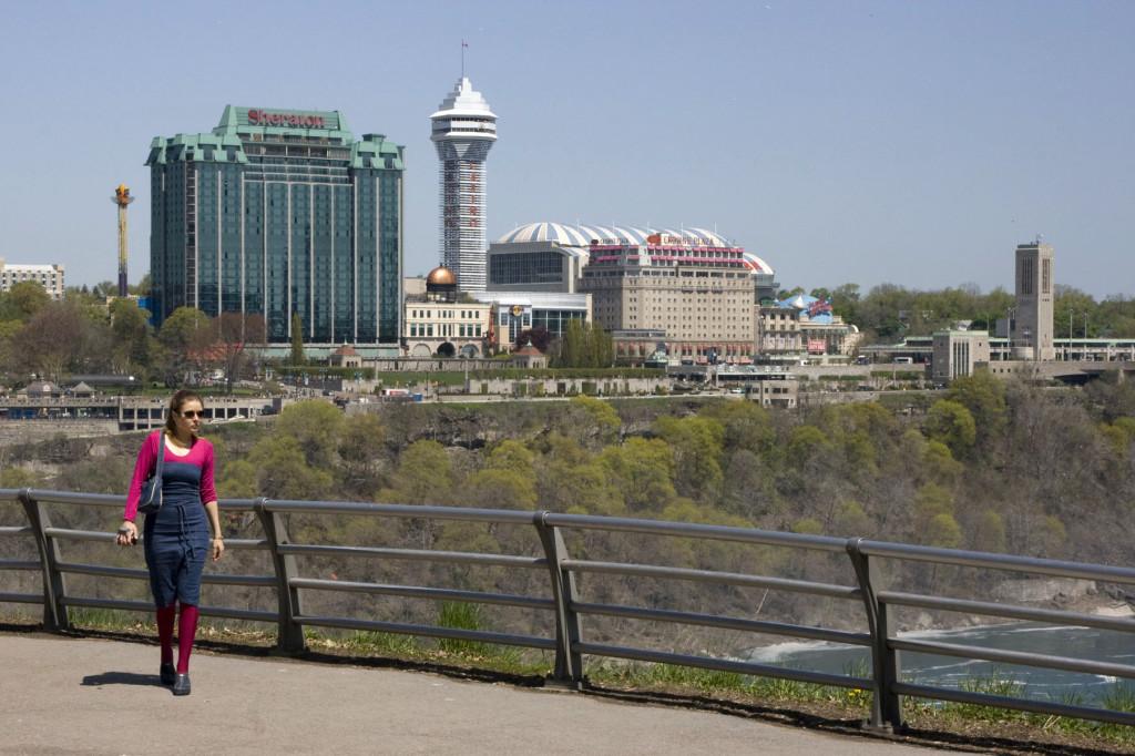 Канада, на противоположном берегу Niagara River
