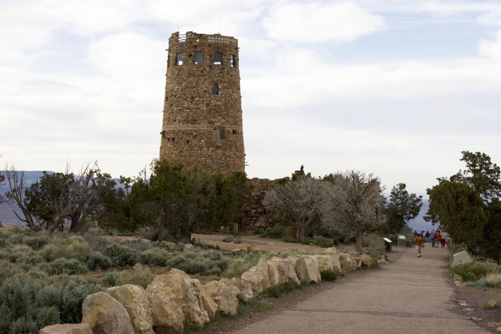 """Средневековая"" башня на Desert View Point"