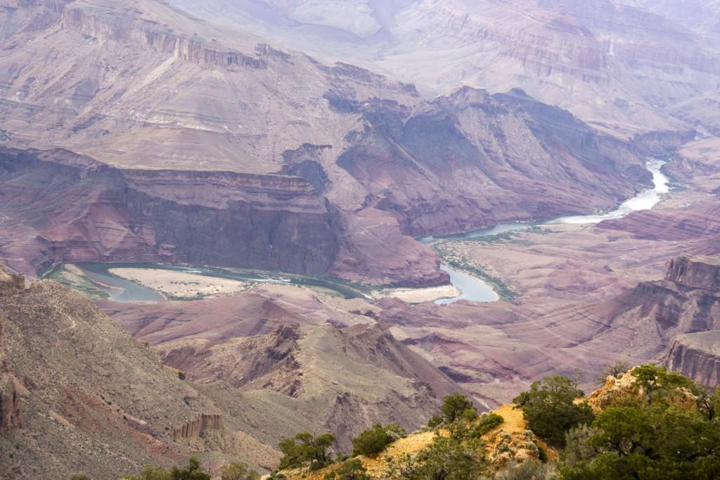 Река Колорадо на дне Большого Каньона