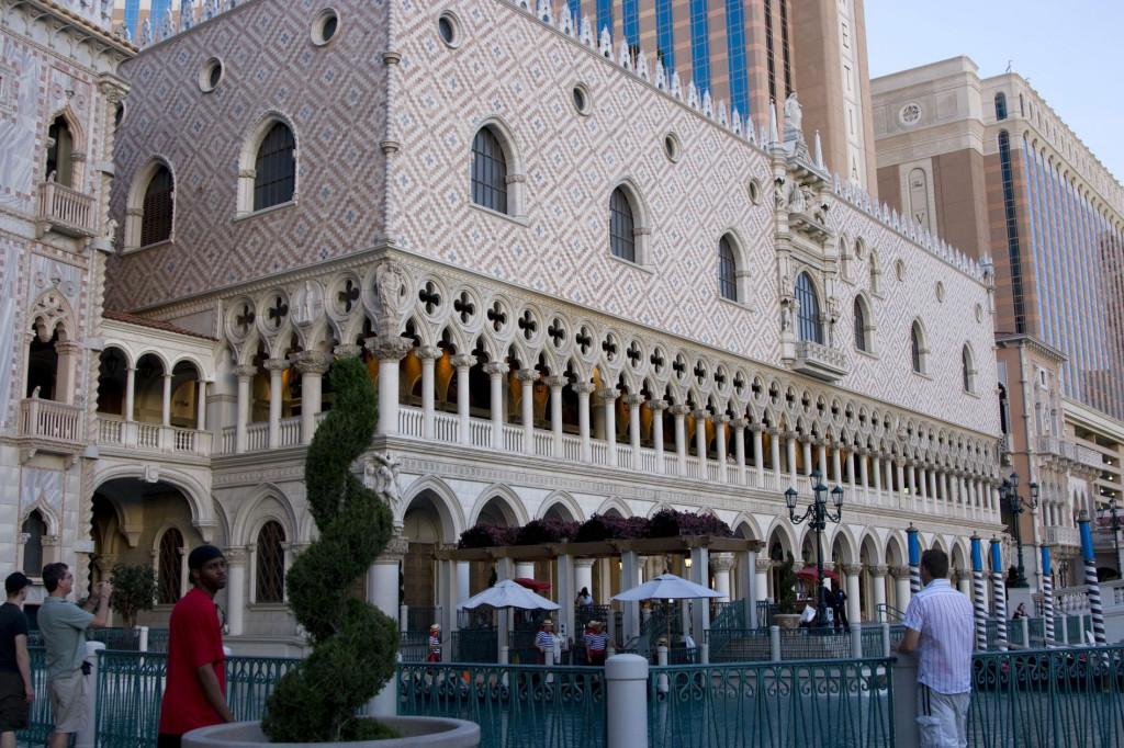 Венеция в Лас-Вегасе продолжается. Дворец Дожей