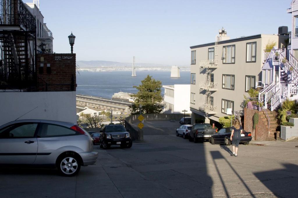 На вершине Телеграфного холма в Сан-Франциско