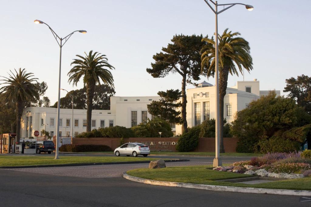 База ВМС США на острове Сокровищ близ Сан-Франциско